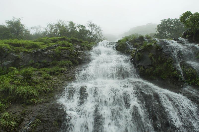 Cachoeira em Tamhini Ghat, Pune fotos de stock
