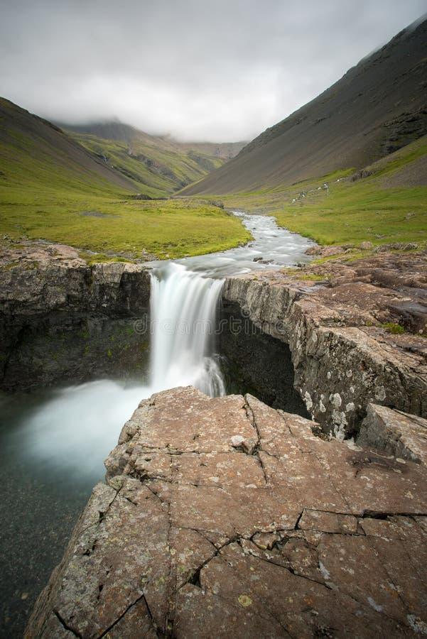 Cachoeira islandêsa 1 do córrego foto de stock royalty free