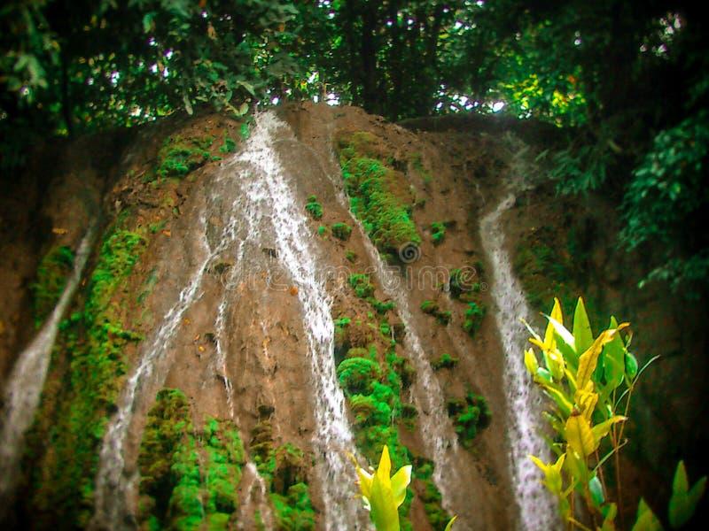 Cachoeira kandungan de Alam em Indonésia imagens de stock royalty free