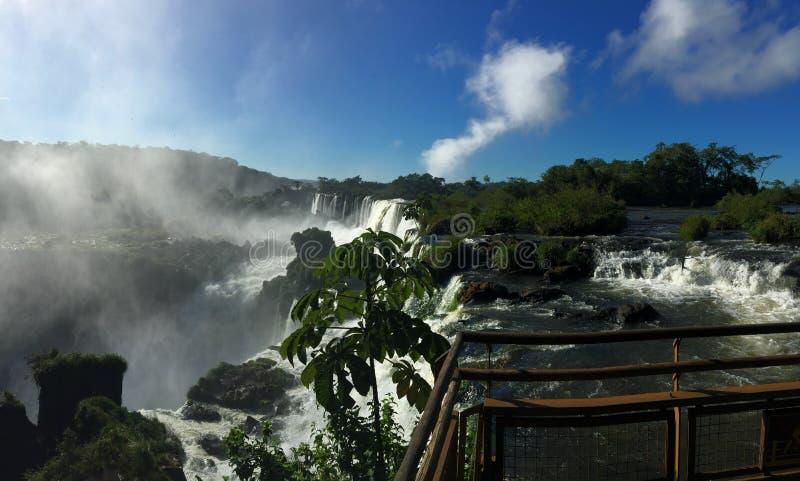 A cachoeira a maior no mundo - lado de Foz de Iguaçu Argentina fotos de stock royalty free