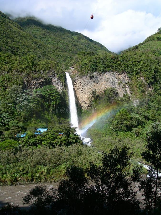 Cachoeira na floresta húmida equatorial, com arco-íris fotos de stock royalty free