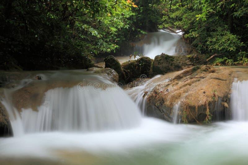 Download Cachoeira em Tailândia foto de stock. Imagem de conservation - 29848396