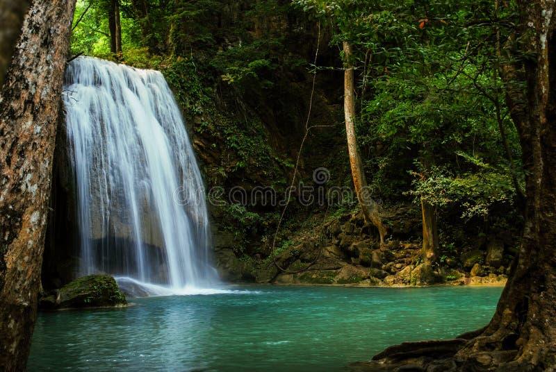 Cachoeira no curso natural de Tailândia da floresta fotografia de stock