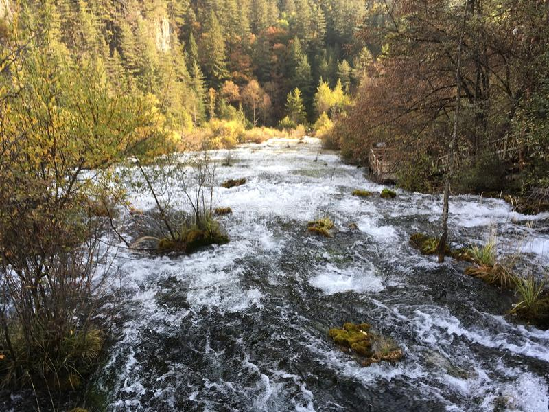 Cachoeira no gou do jiuzhai imagens de stock