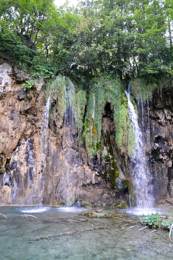 Cachoeira no parque nacional, Croácia imagem de stock