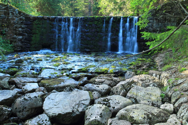 Cachoeira no rio de Upa imagens de stock