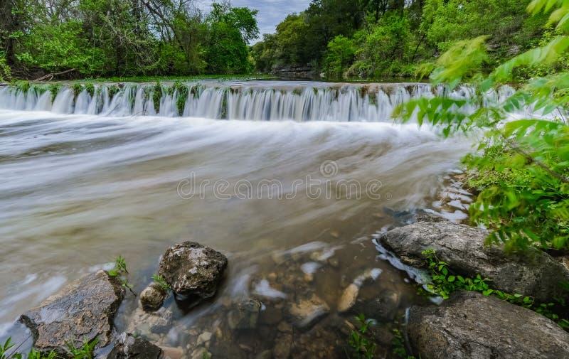 Cachoeira pequena na angra Austin Texas de Bull fotos de stock royalty free