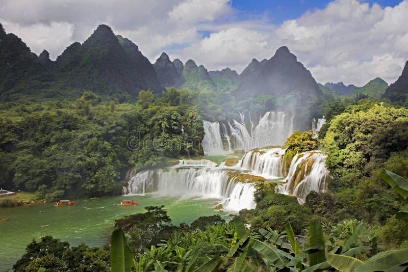 Cachoeiras de Detian em China, igualmente conhecida como a proibição Gioc em Vietname fotos de stock