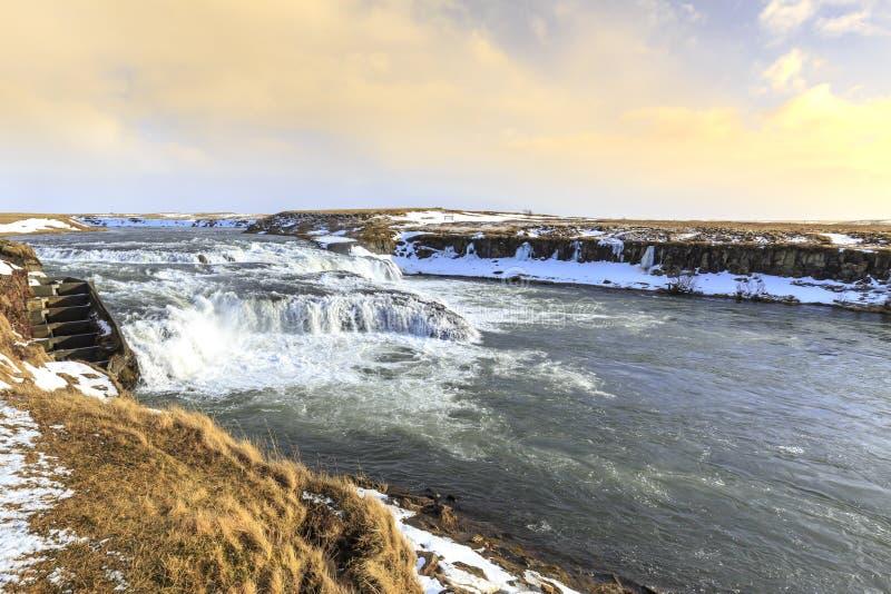 Cachoeiras dos gissÃðufoss do † de à situadas perto de Hella na rota 1, Islândia durante a estação do inverno fotos de stock