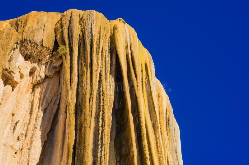 Cachoeiras hirtos de medo, água do EL de Hierve, Oaxaca, México foto de stock