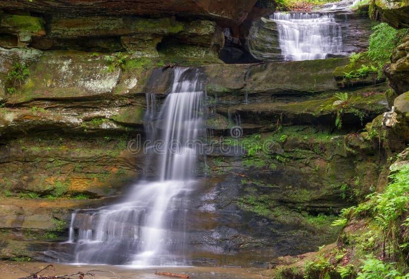 Cachoeiras na caverna do ancião foto de stock royalty free