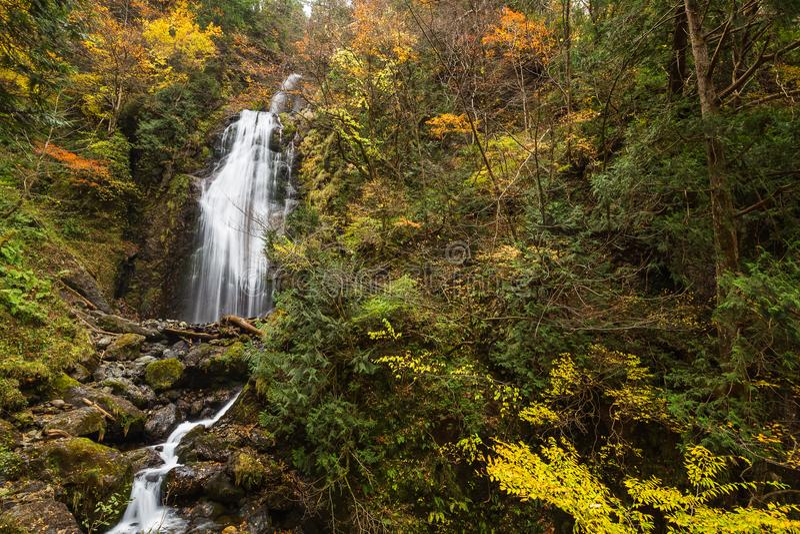 Cachoeiras no outono imagens de stock royalty free