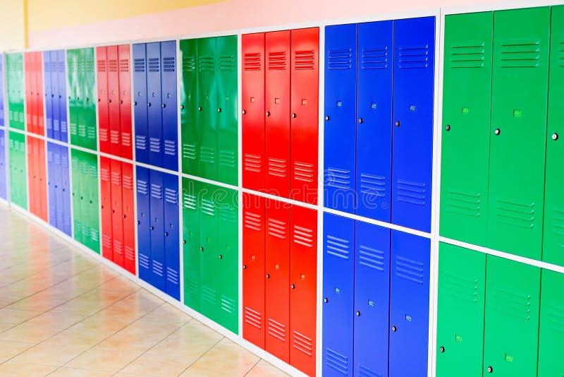 Cacifos coloridos do metal foto de stock