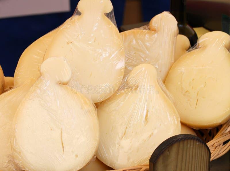 CACIOCAVALLO ser przy rynkiem zdjęcia stock