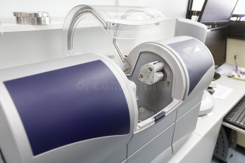 CAD/CAM stomatologiczna pomagająca maszyna obraz stock