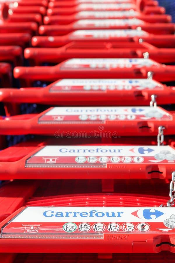 Caddies de Carrefour photo stock