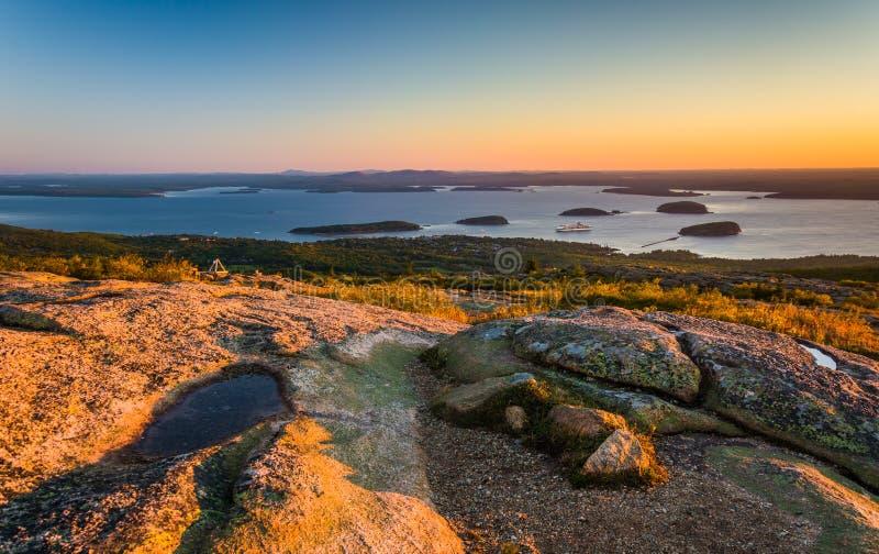 从Caddilac山的日出图在阿科底亚国家公园, Mai 免版税库存照片