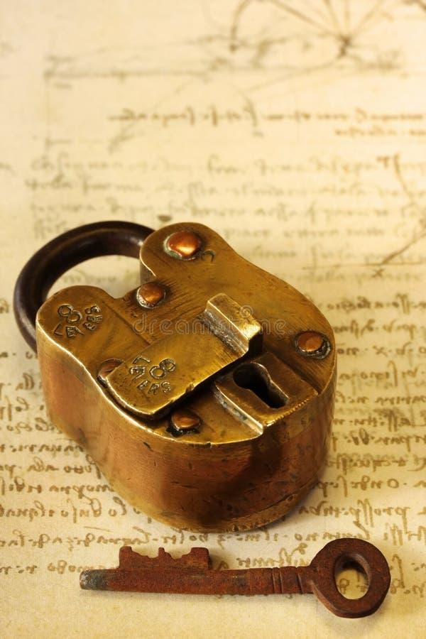 Cadeado De Bronze Antigo Fotografia de Stock Royalty Free