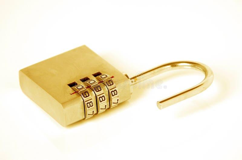 Cadeado do ouro fotografia de stock royalty free