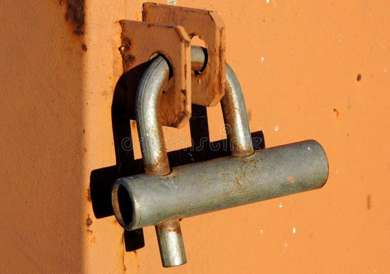Cadeado fechado oxidado velho fotos de stock
