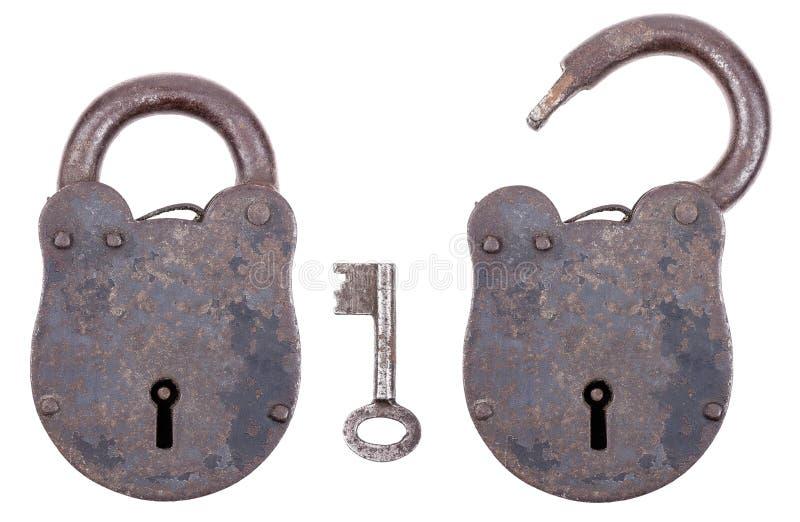 Cadeado medieval com chave imagens de stock