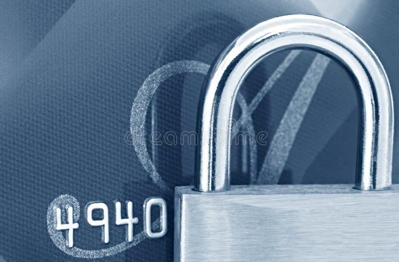 Cadeado no cartão de crédito imagens de stock royalty free