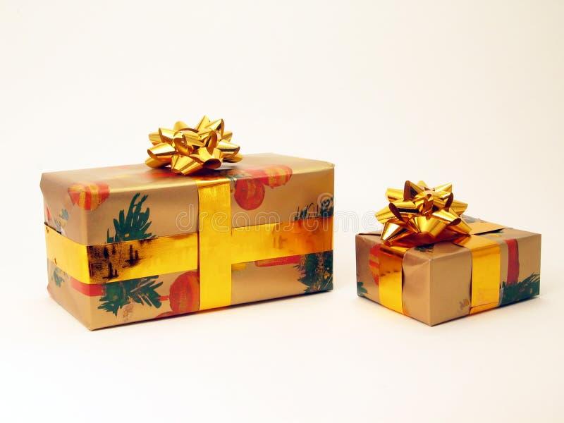 Download Cadeau image stock. Image du décoratif, tresse, cadeau, nounours - 77073