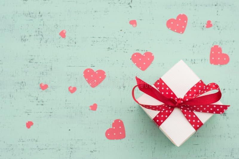 Cadeau de jour de valentines photos libres de droits