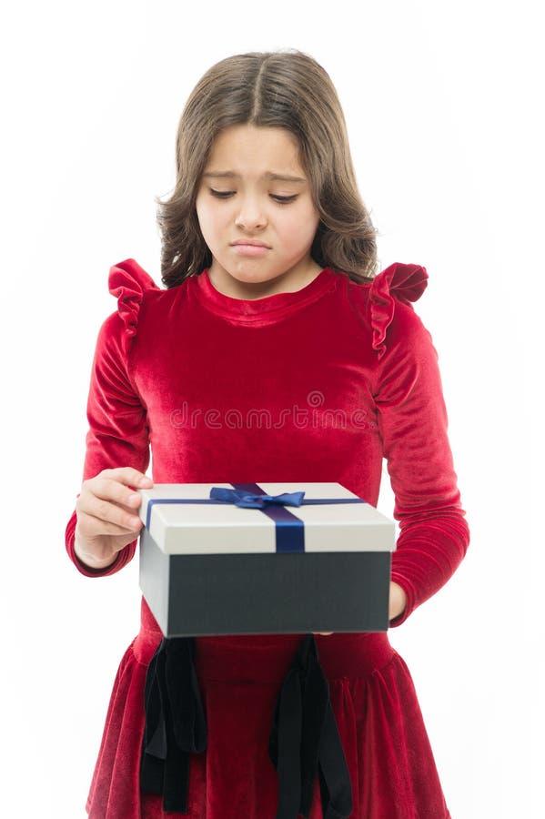 Cadeau De Joyeux Anniversaire Petite Fille Triste Après L'achat