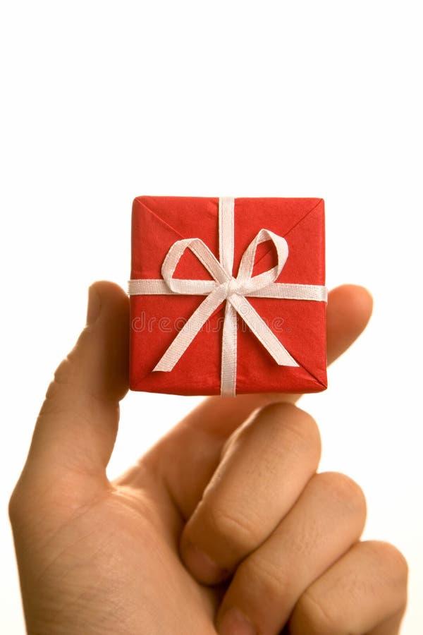 Cadeau de Noël à disposition photographie stock
