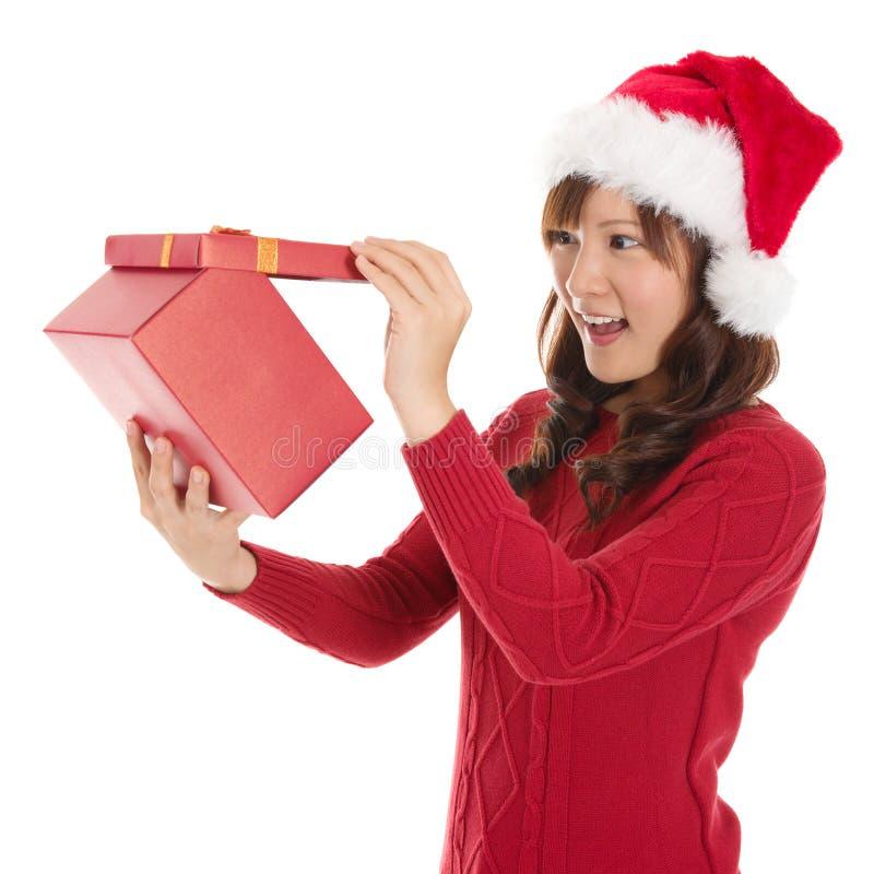 Cadeau de Noël d'ouverture photos libres de droits