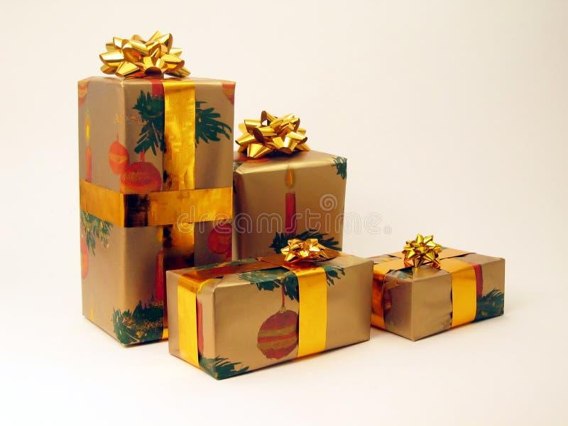 Download Cadeaux photo stock. Image du emballage, cadeau, hiver, élasticité - 77072