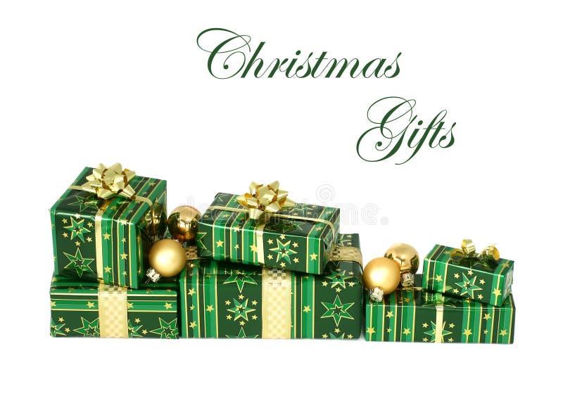 Cadeaux de Noël d'isolement sur le fond blanc photo libre de droits