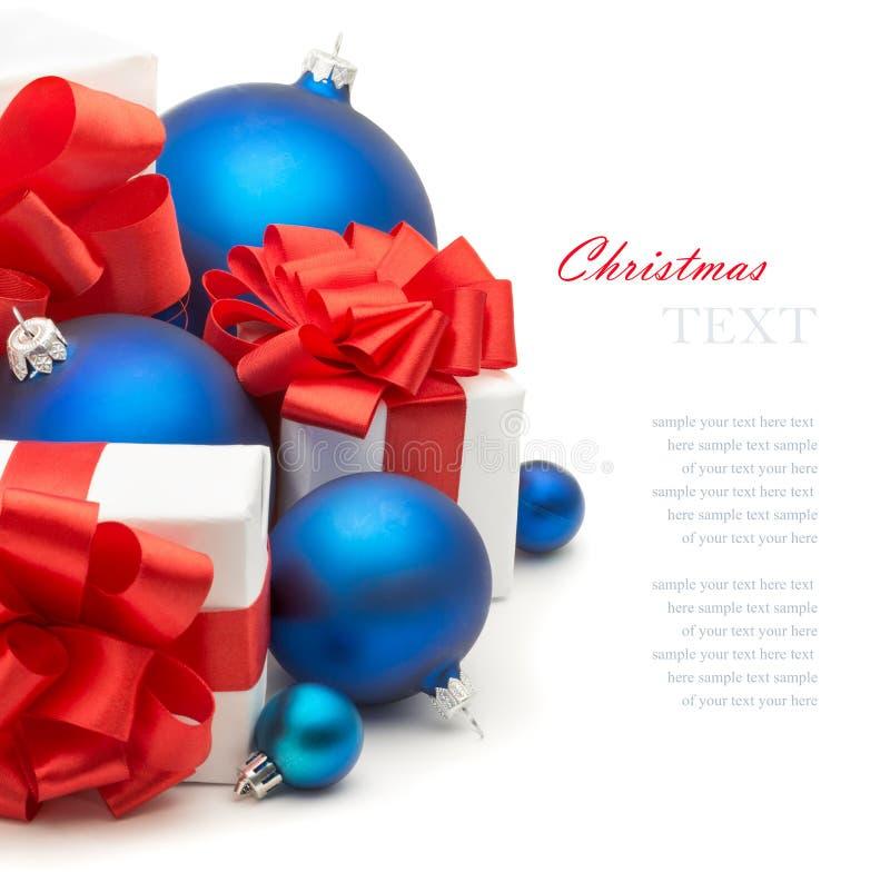 Cadeaux et décorations de Noël photographie stock