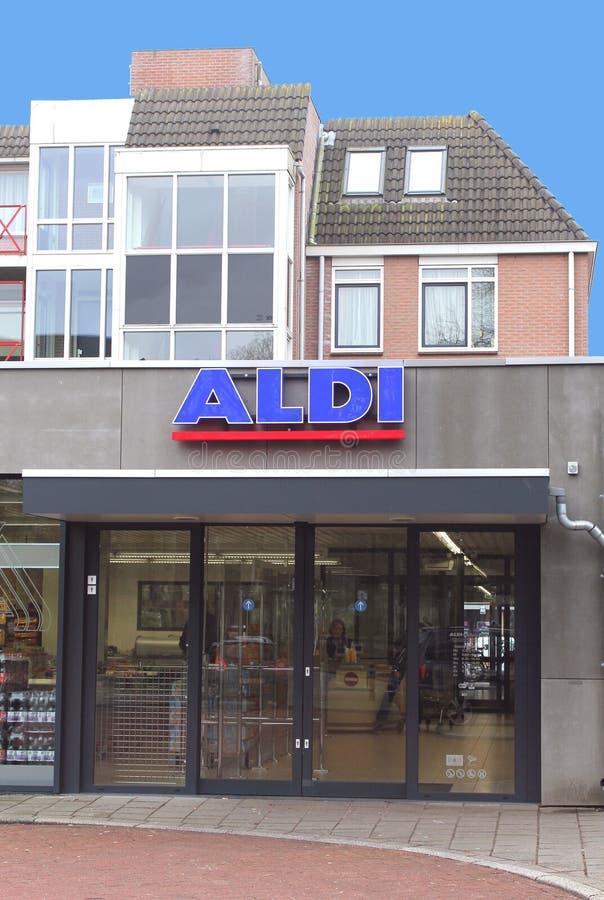 Cadeia de supermercados de Aldi, Países Baixos foto de stock royalty free