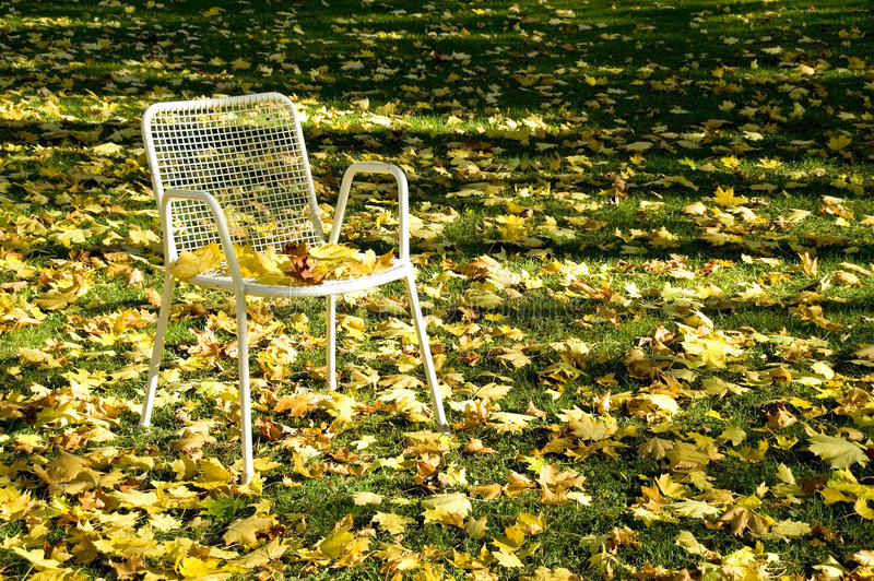 Cadeira abandonada fotos de stock