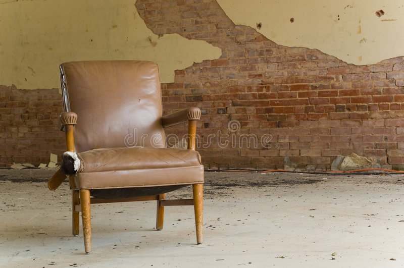 Cadeira abandonada fotografia de stock royalty free