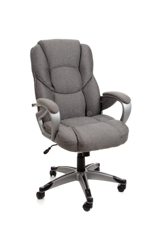 Cadeira cinzenta do escritório no branco imagem de stock royalty free
