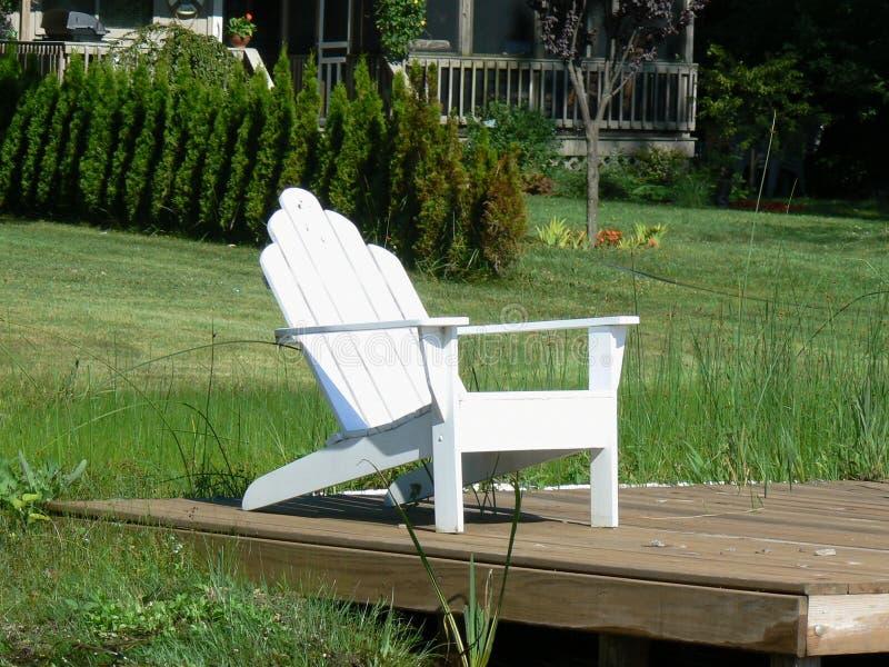 Cadeira de Adirondack do Dockside fotos de stock royalty free