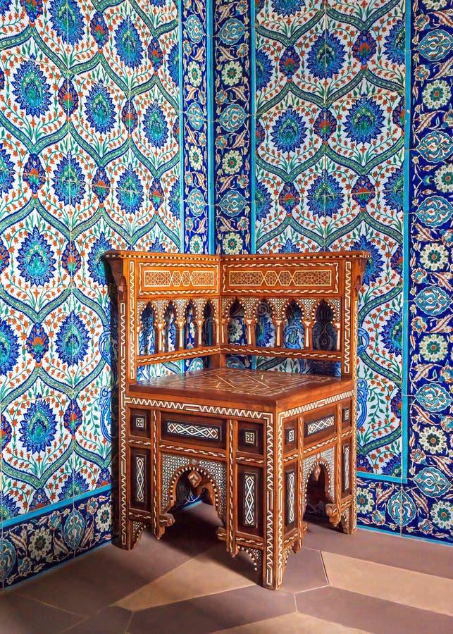 Cadeira de canto do Oriente Médio, casa de Sledmere, Yorkshire, imagem de stock