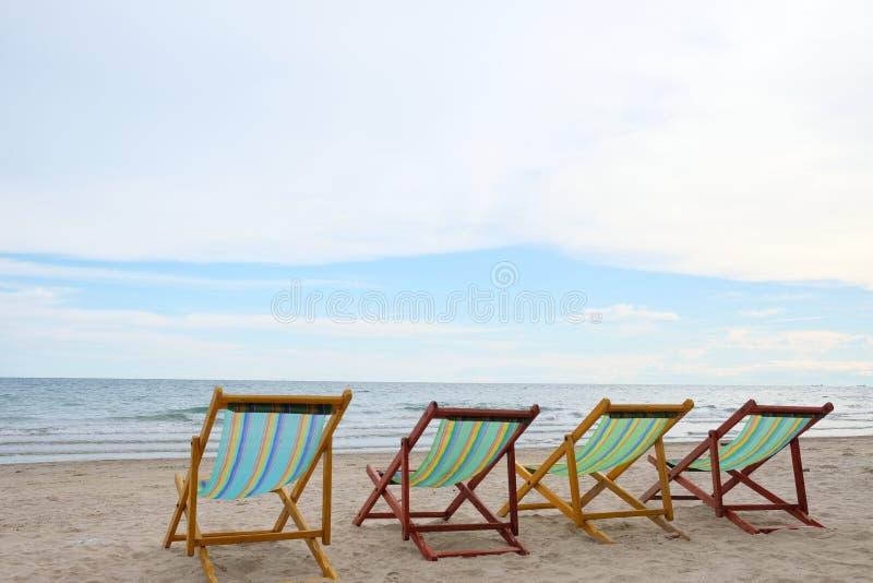 Cadeira na praia em Rayong em Tailândia fotografia de stock royalty free