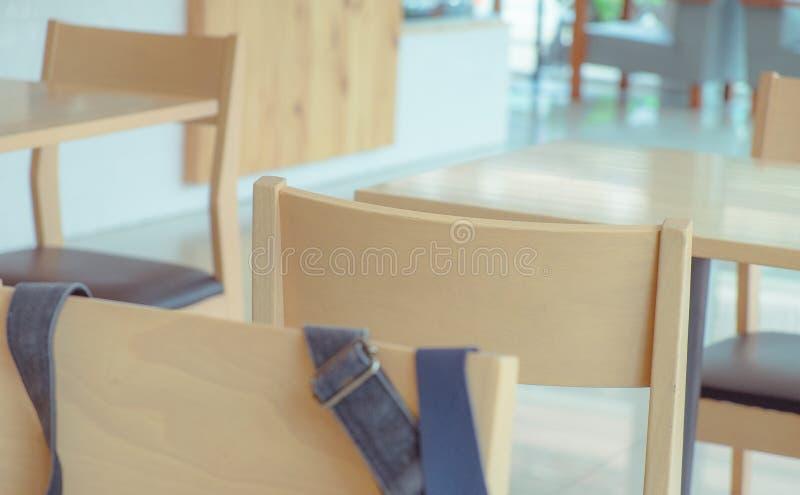 Cadeira vazia com tom macio imagens de stock royalty free