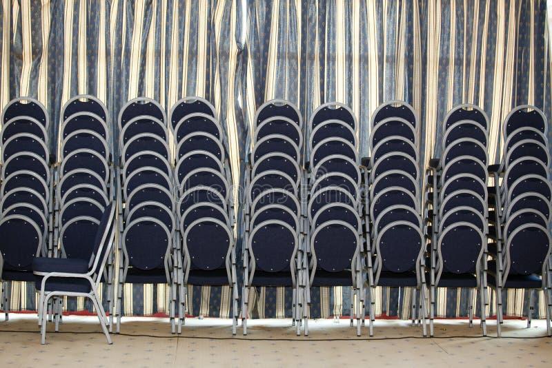 Download Cadeiras foto de stock. Imagem de arranjado, torre, necessidades - 12807148