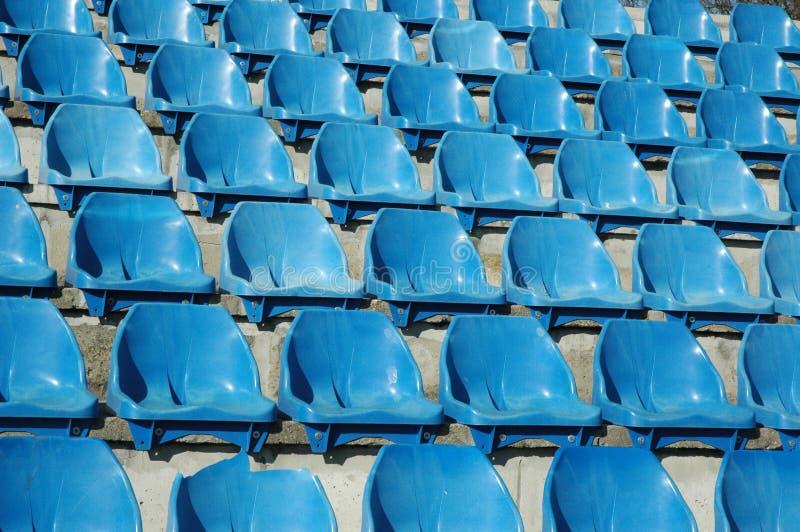 Download Cadeiras foto de stock. Imagem de muitos, stadium, fileira - 526200