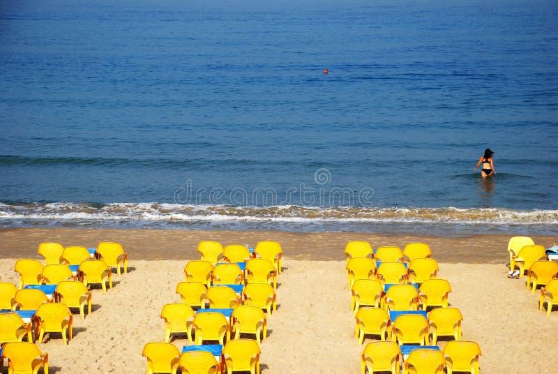Cadeiras amarelas imagem de stock