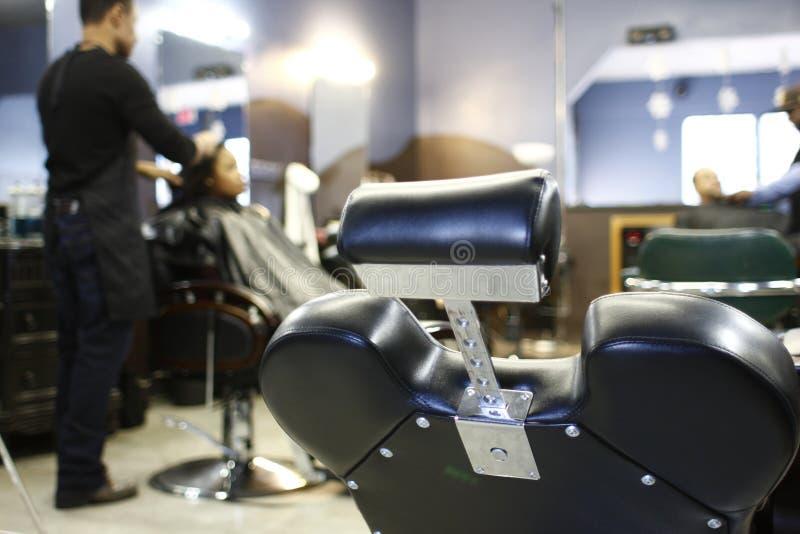 Cadeiras de barbeiro foto de stock royalty free