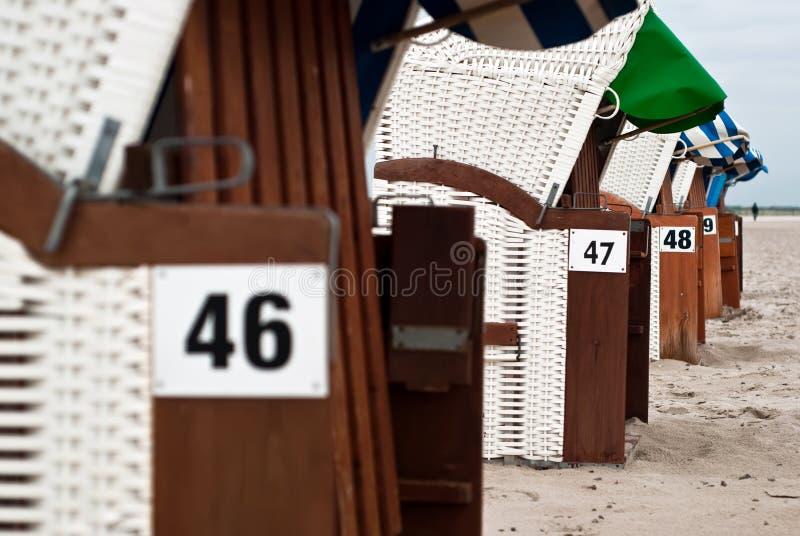 Download Cadeiras de praia V1 foto de stock. Imagem de relaxe - 16874704
