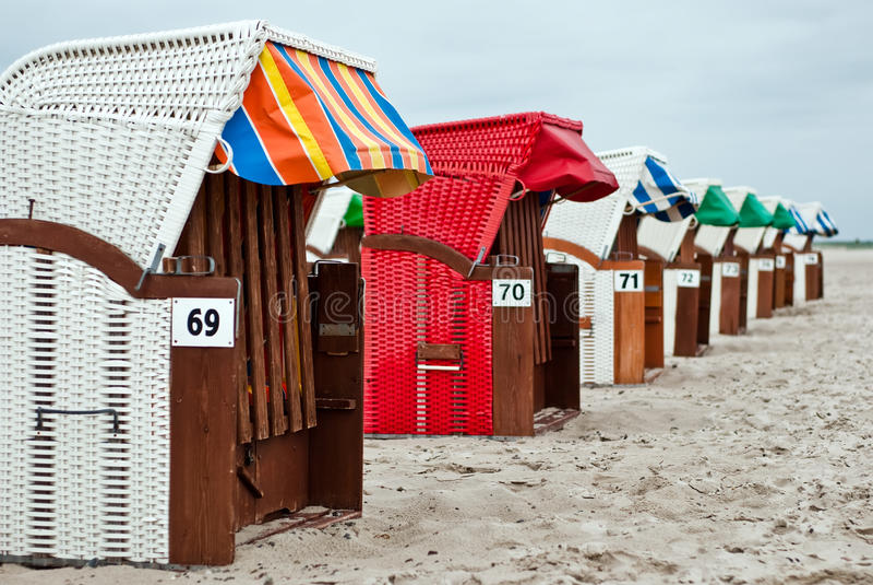 Download Cadeiras de praia V2 imagem de stock. Imagem de oceano - 16874719