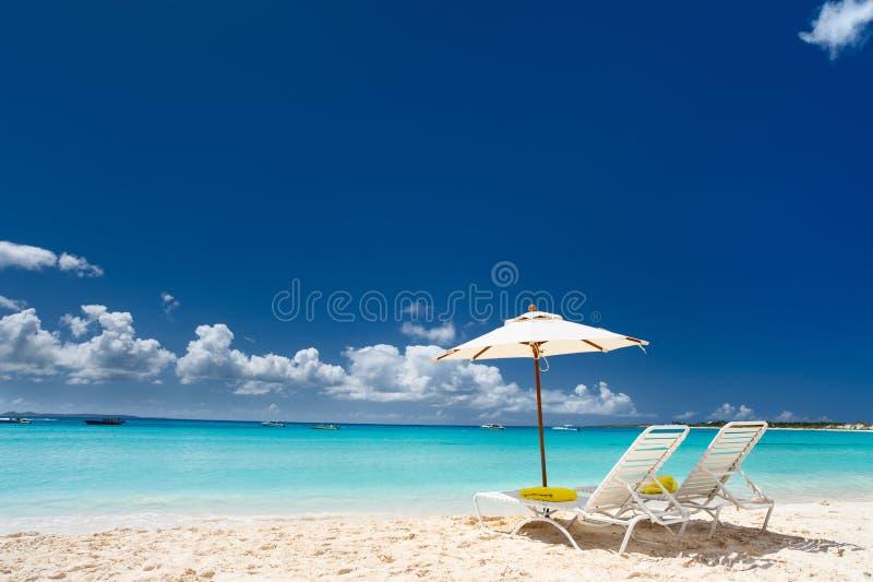 Download Praia das caraíbas bonita foto de stock. Imagem de coastline - 29835896
