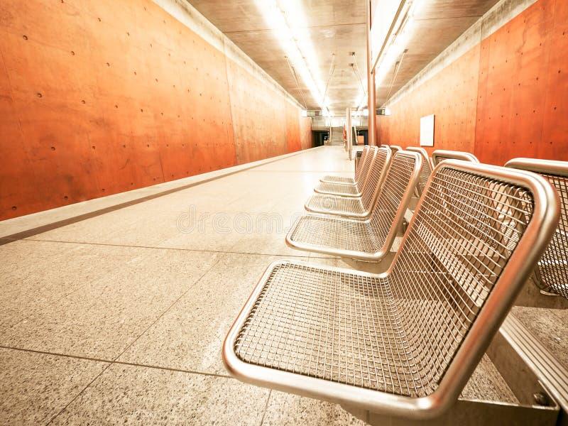 Download Cadeiras foto de stock. Imagem de lâmpada, cidade, cinzento - 29841364